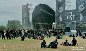 Photos of People and the Festival - Main Stage