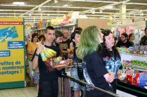 Miscealleneous - Metalheads at the supermarket.