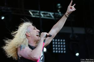 20:50 - Twisted Sister - Twisted Sister