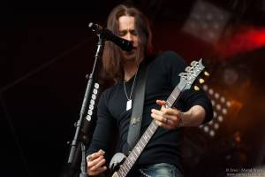 15:25 - Alter Bridge - Alter Bridge