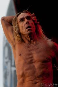 21:05 - Iggy And The Stooges - Iggy And The Stooges