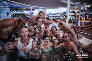 Cruise Impressions - 70000 Tons Of Metal 2014 - Impressions - hot tub